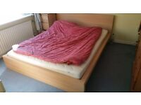 King size bed in very good condition.