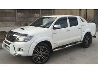 2012 TOYOTA HILUX D/C 3.0 D4-D INVINCIBLE AUTO 4X4 WHITE ++ LOW MILEAGE ++ ONE OF A KIND ++