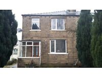 *** BEAUTIFUL 3 BEDROOM PROPERTY *** CLOSE TO ALL LOCAL AMENITIES *** LARGE GARDEN & DRIVE WAY ***