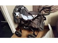 3 in 1 pram with carseat carrycot bag raincover cosy toes like new hardly used smoke free home