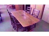EXCELLENT CONDITION!!! Beautifully made and looked after table with 4 carved chairs