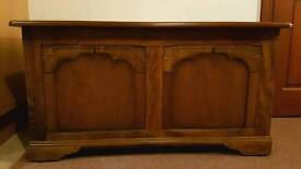 Vintage large oak coffer/blanket box