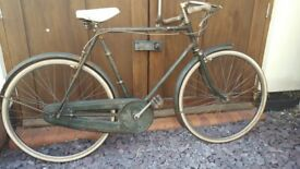 "Gents Raleigh 1950s bike,23"" frame,26"" wheel, fantastic original patina, full oilbath chainguard"