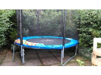 Trampoline 8ft with ladder and enclosure