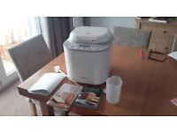 Kenwood bread maker and 2 books