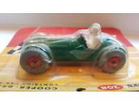 Dinky toys . Dinky 208 mint .