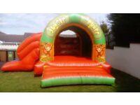 Jungle combi bouncy castle