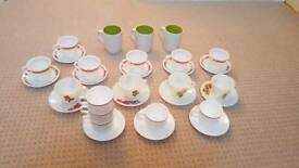 Teacups, saucers and mugs