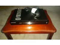 Samsung BD-J4500 R/XU Blu Ray DVD Player