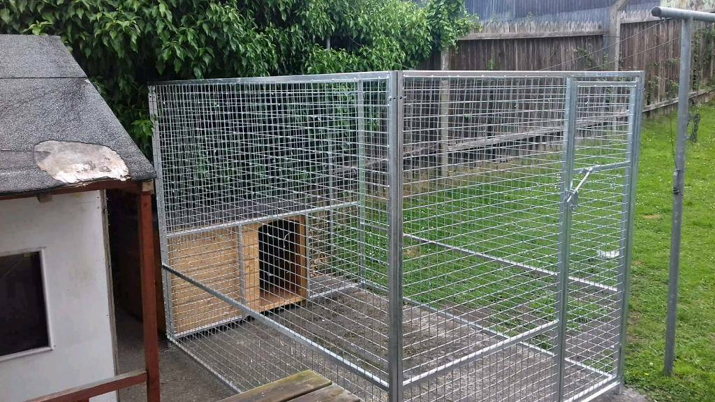 Dog housing and pens