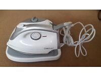 Ciatronic Steam iron, new with box, collections Bradley stoke