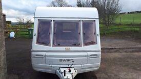 1990 Swift Challenger 440/4 (4 Berth) Caravan Complete with Multiple Accessories
