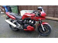 Red 600 Yamaha Fazer
