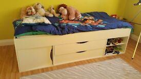 Kids Bed in white (single)