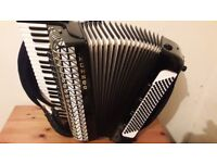 I sell the Hohner Atlantic IV de Luxe accordion, 120 basses