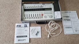 Zoom R16 multi track recorder interface controller