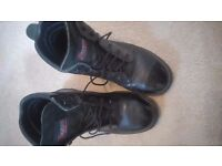 Mens used SAFETY BOOTS - TOESAVERS - Good condition - Size 8