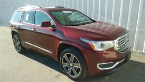 2017 GMC Acadia Denali AWD WITH NAVIGATION AND SKYSCAPE SUNROOF