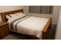 Stunning solid oak king size bed frame, very substantial, great condition