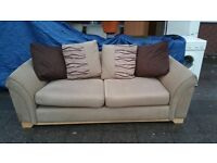 GORGEOUS FABRIC SOFA IN MINT Condition FREE DELIVERY LOCAL