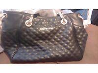 Genuine michael kors handbag great condition