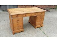 Massive 9 Drawer Bespoke Reclaimed Pine Pedestal Kneehole Knee Hole Desk.
