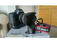 Canon 5D mk III with Canon 24-105 f4 L and Canon BG-E11 dual battery grip
