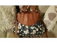 Oasis large hand bag