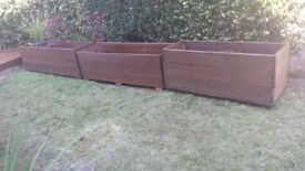 4 large wooden planters