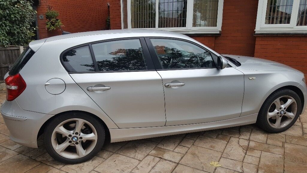 SILVER BMW 1 SERIES SPORT 2010