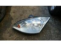 Ford focus mk1 head light