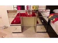 Shard diamond dressing table