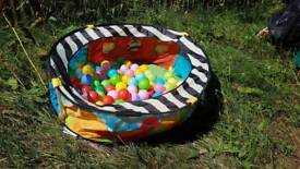 Toddler ball pit with balls