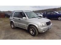 breaking silver suzuki vitara 2.0 turbo diesel lwb manual parts spares roof bars