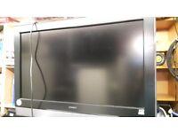 "Hitachi 32"" HD LCD Tv with remote"