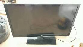 LG 42 inch television. Cracked screen. Parts/repairs
