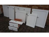 SEVEN VERY GOOD USABLE WHITE HINGED KITCHEN DOORS & 2 DRAWERS & ONE FALSE DOOR FRONT