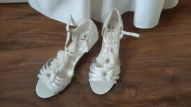 Flower girl/Bridesmaid ivory sandals