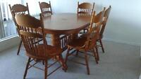 Moving sale Dining table with chairs