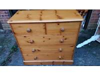 Touch of pine Chest of drawers