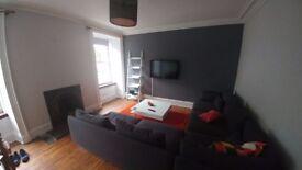 Spacious 1 Bedroom Flat in Rosemount Area