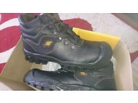 Mens size 11 work boots