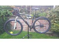 cube pro ltd 27.5 mountain bike 20in ex condition,thomson seat dropper, used twice nuke free pedals