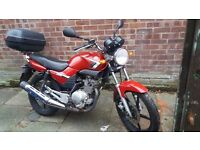 Yamaha ybr 125 2010 VERYLOW MILES long MOT no advisories great tyres gopd condition top box included