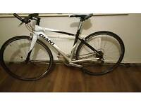 Ladies Giant fcr flat bar road/ hybrid bike