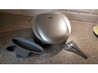 Silver George Forman Style Health grill, as new condition, ideal for bedsit/ studio flat.