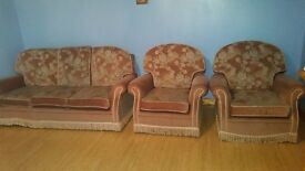 SOFAS FOR SALE ONLY £80 POUNDS .GOOD LOOKING .GOOD REASON FOR SALE