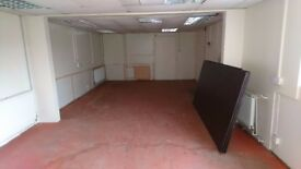 Industrial Unit with yard space to rent