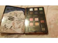 One direction make up and tin set