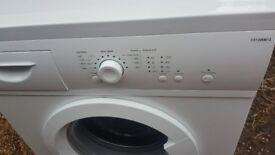 Washing machine in very good condition.